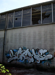 Broken Glass (Scotty Cash) Tags: graffiti 2009 nwk sueme