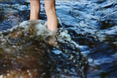 (Tess Mayer) Tags: water flow focus legs bokeh sister fiver
