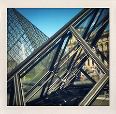 Louvre (dannyone) Tags: city trip travel blue sky people urban paris france museum architecture square polaroid frankreich europa europe louvre availablelight toycamera journey palais iledefrance 2009 palaisdulouvre iphone ontherun shakeit schnappschuss dannyone capturethemoment iphonepic iphonediary skakeit