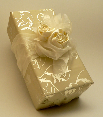 Wedding gift packaging by eveart design