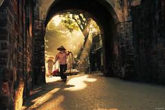 Sm mai ln ph ([hong-fam]) Tags: street morning beautiful canon asia vietnamese streetlife best vietnam hanoi dep hni hanoicorner datnuoc earthasia