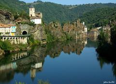 Les reflets d'Ambialet (fabdebaz) Tags: eau paysage distillery 2009 aficionados sudouest k10d pentaxk10d francelandscapes justpentax