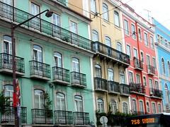 Arcoiris Rainbow (PETRONIALOCUTA) Tags: street viaje windows color colour portugal architecture calle arquitectura lisboa lisbon balcony ventanas octubre 2009 balcn barrioalto