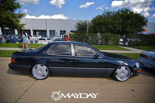 LS400 sittin pretty.