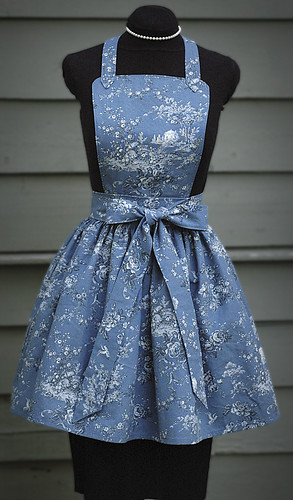 """""""LUCY"""" bibbed blue toile apron front"""