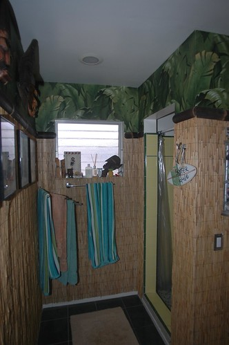 Tiki Bath Wall Paper
