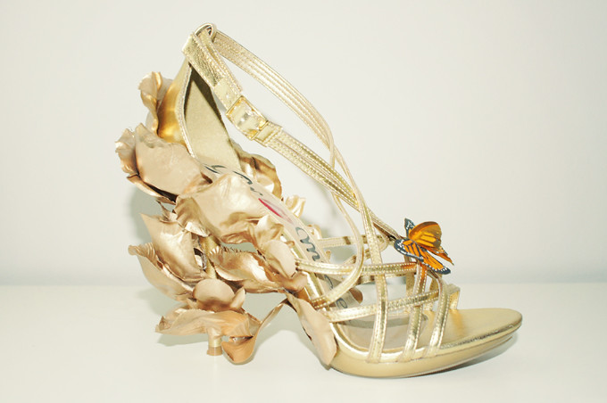 DIY-Alexander-McQueen-Monarch-Shoes-2011-side
