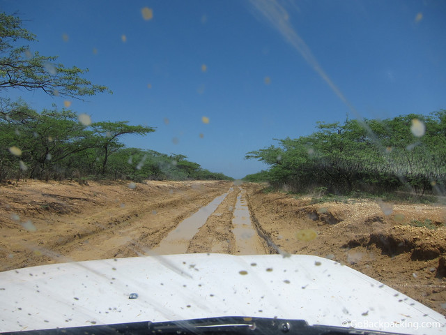 4x4 driving into La Guajira