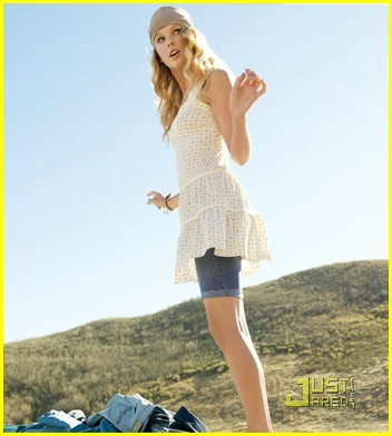taylor-swift-lei-campaign-07