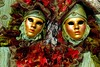 maschere rosse e verdi (Nicola Zuliani) Tags: venice verde carnevale rosso venezia maschere nizu nicolazuliani wwwnizuit