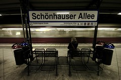 mind the gap (gregorfischer.photography) Tags: people motion berlin station train nikon sitting sigma sit sbahn seated d2h allee schnhauser stadtbahn sigma1020mmf456 1020mmf456