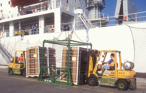 fruit bay sandiego yacht military towers cement cargo vehicles vehicle fertilizer import tanks dole pasha windenergy jeananne sandiegobay nationalcity portofsandiego workingwaterfront tenthavenuemarineterminal nationalcitymarineterminal