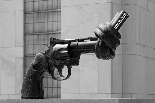 """Non-Violence"" (""The Knotted Gun""), by Carl Fredrik Reutersward, United Nations Headquarters, New York City"