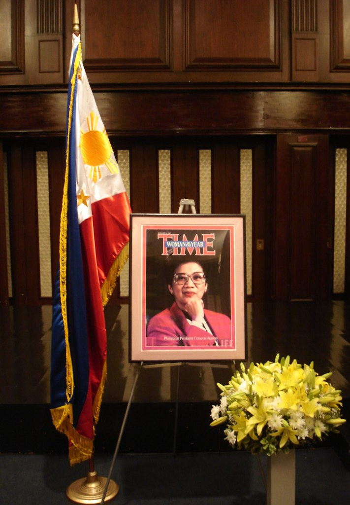 Book of Condolence President Corazon Aquino 005