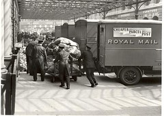 Unloading mail vans, Victoria, 1935 (British Postal Museum & Archive) Tags: advertising poster design marketing postoffice victoria royalmail gpo mailvan victoriastation publicrelations posterdesign
