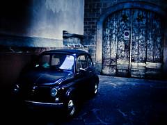 prOhIbIdO ( Ms bello que el silencio ) Tags: italia coche florencia antiguo cruzadas ltytrx5 ltytr2 ltytr1 a3b 6retos6