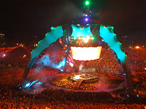 U2 360 Tour, Los Angeles, Rose Bowl (by jcookfisher)