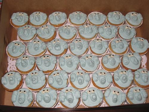 Elephant cupcakes for Trigg