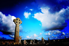 The Celtic Cross.- (ancama_99(toni)) Tags: pictures old trip travel blue ireland light vacation sky cemeteries irish color colour green colors beautiful azul clouds photoshop geotagged island photography photo nikon europa europe foto cross photos picture photographic irland eire graves bleu cruz fotos layers celtic blau fotografia nikkor 2009 soe tombs irlanda cyanotype irlande sligo 1000views celta  fotografas d60 eireann republicofireland 10favs 10faves nikond60  cianotipo mywinners abigfave  holidaysvacanzeurlaub theunforgettablepictures ancama99 cianotipe