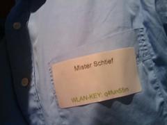 alle ausser ich tragen hier auf dem #droidcamp klarnamen am hemd ;)  darf ich vorstellen: Mister Schtief