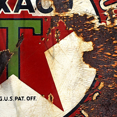 Cracked Texaco (red_dotdesign) Tags: wood sign logo rusty weathered cropped cracks texaco
