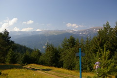 To Sapareva Bania (Alan Hilditch) Tags: park mountain mountains la mount rila national bulgarie banya bulgarije bulgarien bania  maliovitza  malyovitsa   sapareva