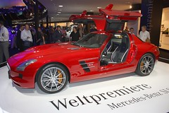 IAA Frankfurt - Mercedes-Benz SLS AMG (Andy_BB) Tags: auto show new cars car automobile frankfurt voiture coche mercedesbenz carro vehicle autos  macchina 2009 coches sls bagnole amg iaa gullwing automvil austellung exhibiton  flgeltrer internationalmotorshow weltpremiere    c197 w197