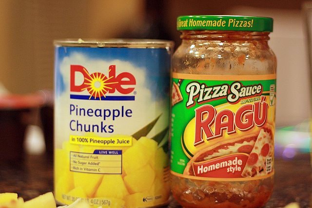 pineapple and pizza sauce