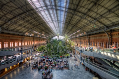 Estacin de Atocha, Madrid HDR 2 (marcp_dmoz) Tags: madrid espaa plants station speed train canon tren eos high spain plantas map pflanzen railway zug bahnhof oasis ave alta velocidad tone hdr estacin spanien atocha renfe espaola oase photomatix 50d tonemapping hochgeschwindigkeit