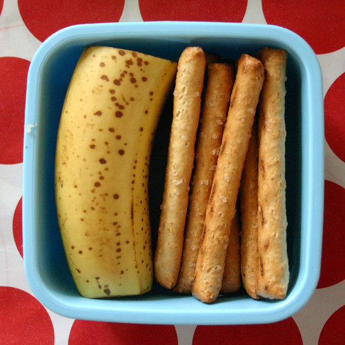Kindergarten Snack #31: October 28, 2009