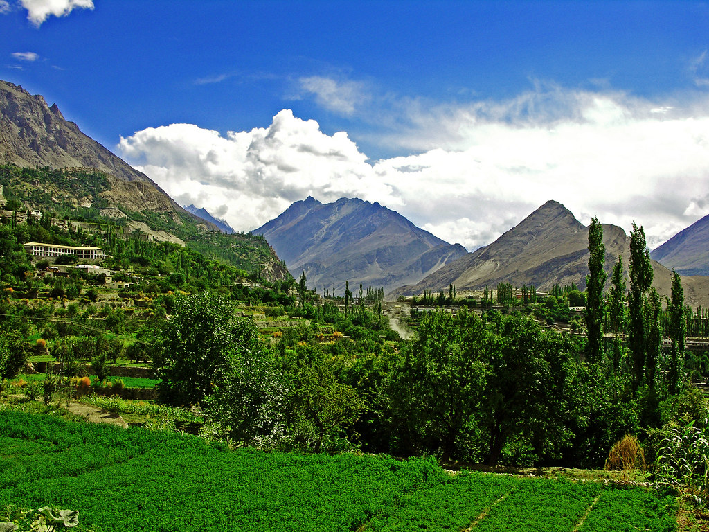 3176765828 eb4715e437 b - Stunning Beauty Of Hunza Valley Pakistan