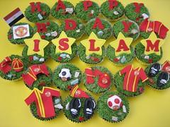 Man U ......... (Anita Jamal) Tags: birthday red green yellow cupcakes manchesterunited fondant buttercream