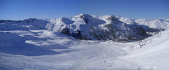 Panorama Les Arcs 2 (Greyshift11) Tags: panorama ski france station les montagne alpes lumix panasonic ciel g1 chalet 1800 mm 45mm arcs dmc piste 1445 telesiege 14mm mecaniques dmcg1 remontees