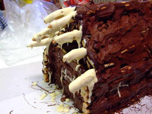 chocolate log cabin 32