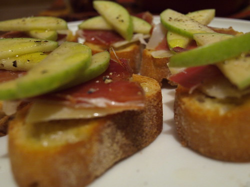 apple, manchego, jamon toasts