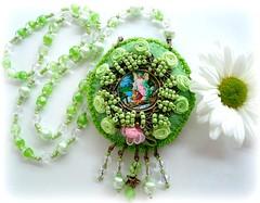 Anjo da Guarda (Lidia Luz) Tags: necklace beads handmade embroidery crochet jewelry felt bijoux bijuteria feltro colar bijouteria crochê anjodaguarda lidialuz