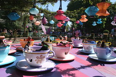 Tea Party (Prayitno / Thank you for (11 millions +) views) Tags: california park ca cup tea alice disneyland spin spinning theme anaheim wonderland aliceinwonderland konomark