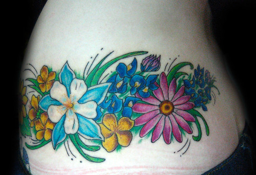 Tatuaje <b>Flores</b> Pupa <b>Tattoo</b>