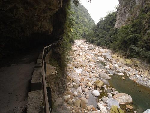 你拍攝的 15步道與溪流。