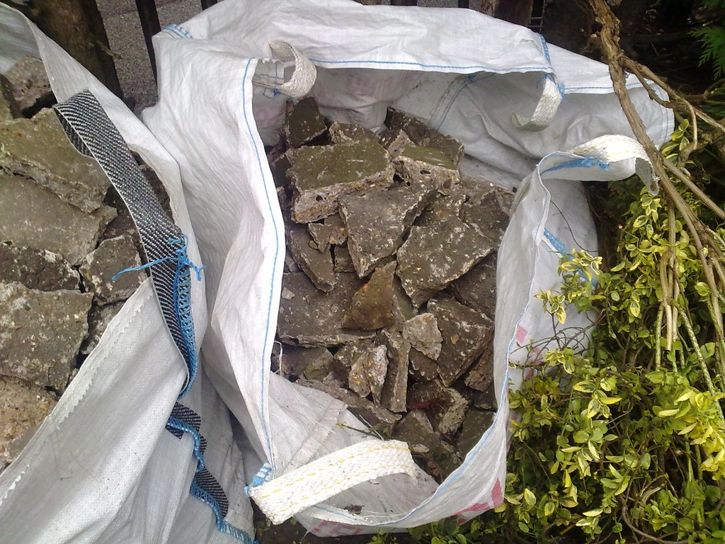 bulk bag of crushed concrete 1 26072009037
