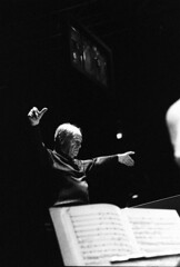 Pierre Boulez 1465- 7 (Co Broerse) Tags: music conductor composer beursvanberlage contemporarymusic pierreboulez ensembleintercontemporain frenchcomposer denederlandseopera composedmusic cobroerse