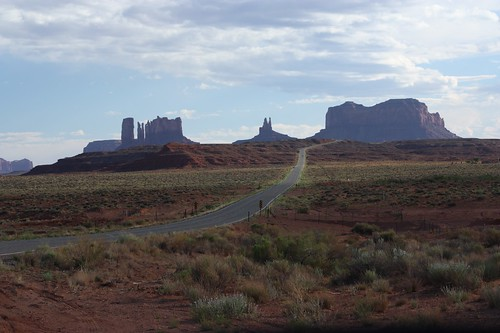 Coming into Monument Valley