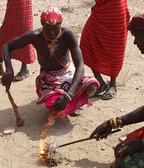 Presto! (rgrant_97) Tags: africa people village kenya samburu nomads aldeia herdsmen qunia