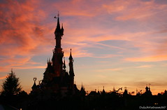Far far away... (DulichVietnam360) Tags: park sunset summer sky paris france night canon french europe disneyland t loisirs nuit iledefrance parc 2009 attraction disneylandparis h valdemarne digitalcameraclub m butri honghn php mywinners canon400d cngvin giitr dulichvietnam360 chuu cngvindisneyland cngvindisneyparis parcdisneyparis