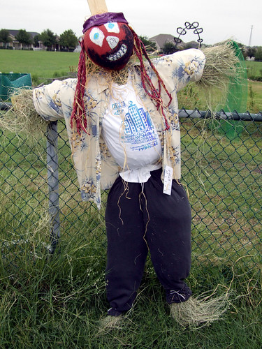 Hay Mon - The Claes Family Scarecrow
