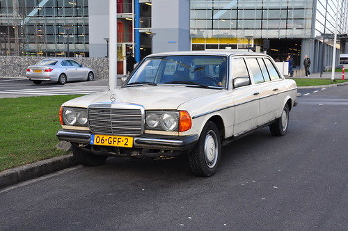 1980 Mercedes-Benz 300D Long