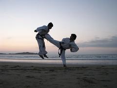 Campamento TaekwonDo ITF - ATICH - Pichidangui 2009 (J U A C O) Tags: chile jump kick martialarts taekwondo tkd summercamp pichidangui patada artesmarciales campamentoverano
