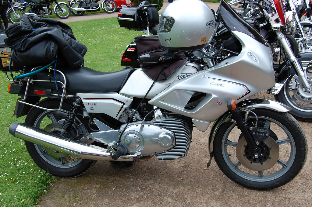 NORTON CLASSIC. ROTARY TWIN CYLINDER ENGINE. 1987 UK.