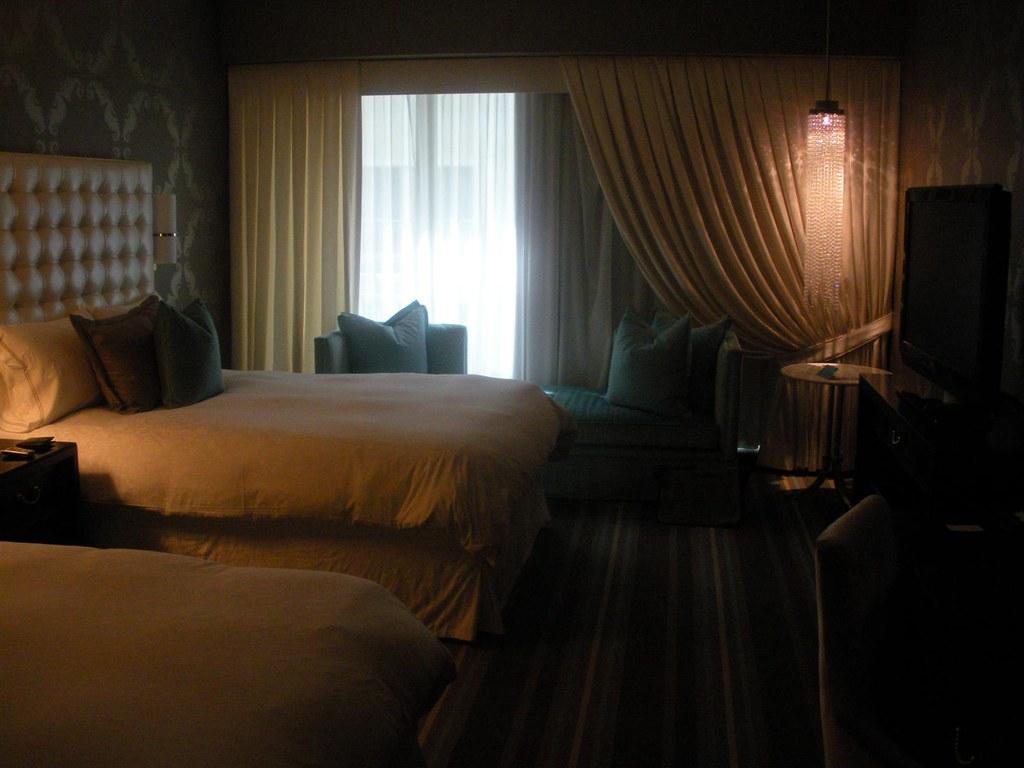 Hotel room, The Nines