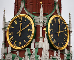 MOSCOW - MOSCOW TIME (Punxsutawneyphil) Tags: time russia moscow clocktower redsquare moskau kremlin russie uhr rusia kreml uhrturm roterplatz russland plazaroja spasskayatower mockba saviourtower spasskaya moscowtime moskauzeit